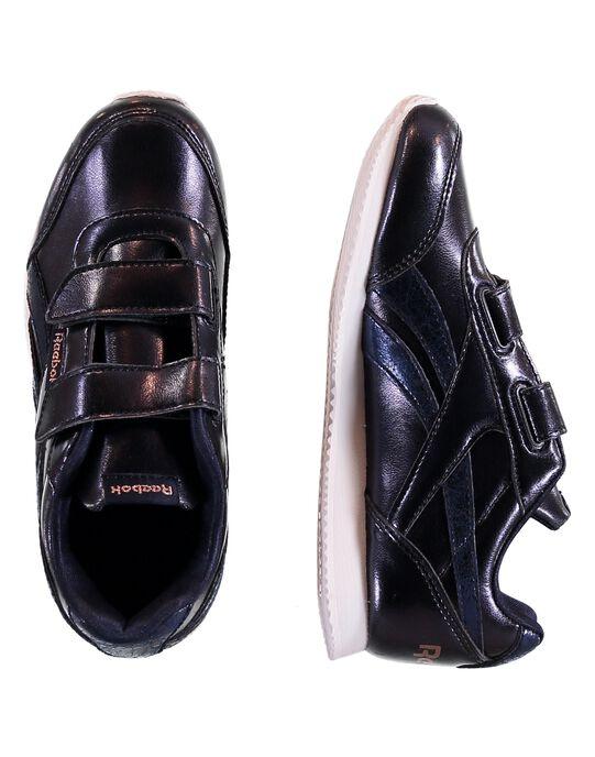Basket Reebok Royal CLJOG2 2 noir avec bandes marine métallisés. Doublure et semelle intérieure en textile. Semelle extérieure en EVA. Fermeture pratique à bandes auto-agrippantes ajustables. GFDV9028 / 19WK35P3D36070